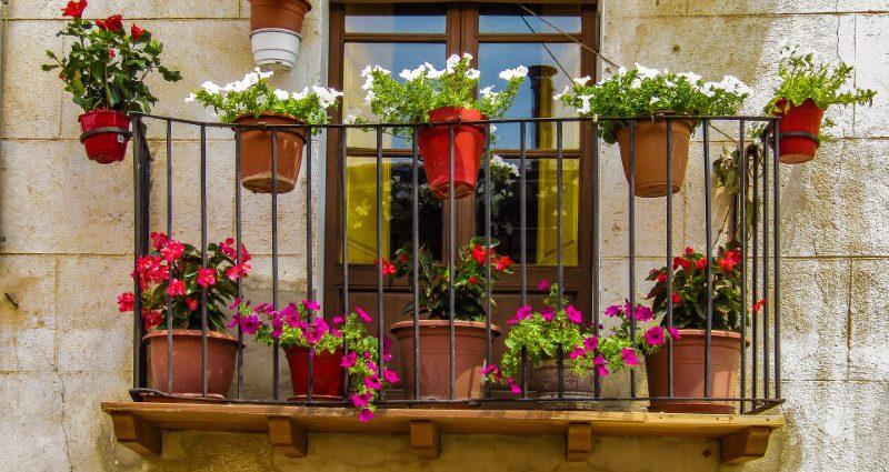 Portavasi da balcone